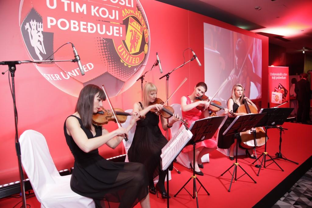 Gudački kvartet Wonder Strings Mančester Junajted proslava