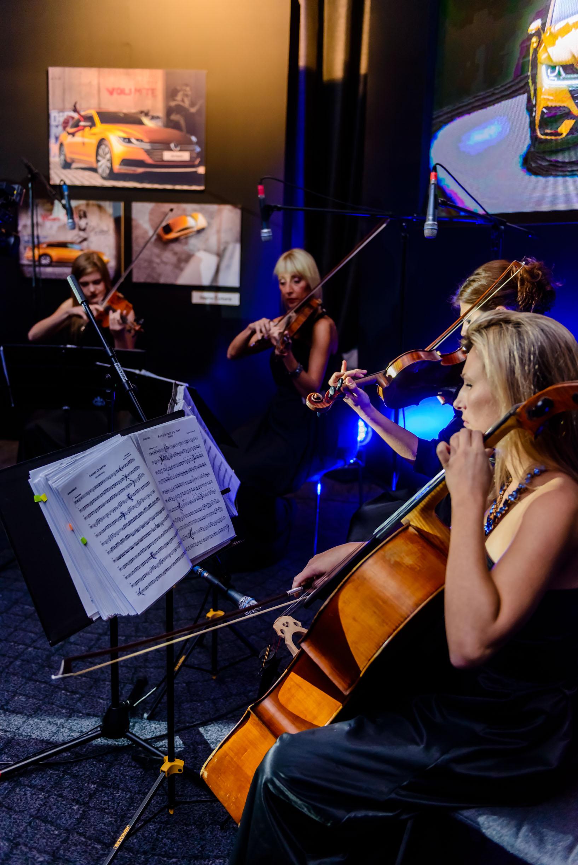 gudački kvartet volkswagen wonder strings promocija automobila arteon