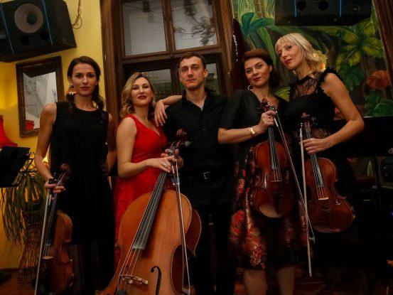 Wonder Strings i perkusije Sale Radulović